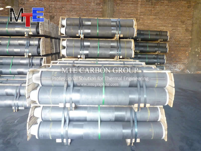 Extruded Graphite Electrode 1